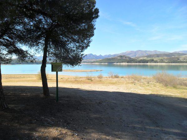 Uitzicht over het meer zaterdag 16 april